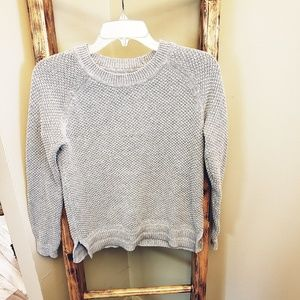 Old Navy Crewneck sweater